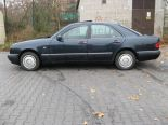 Sprzedam Mercedesa W210 300D z szyberdachem ogłoszenie prywatne - Używany 2996cm3. Granatowy Mazowieckie/Warszawa